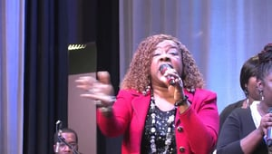 Beverly Crawford – Sweeping Through The City – Live